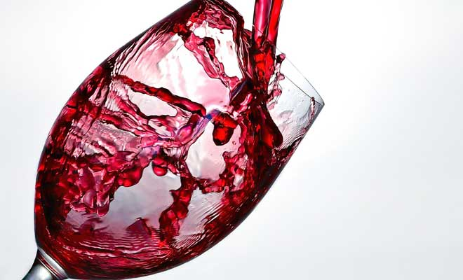Şarap Lekesi Nasıl Çıkar?
